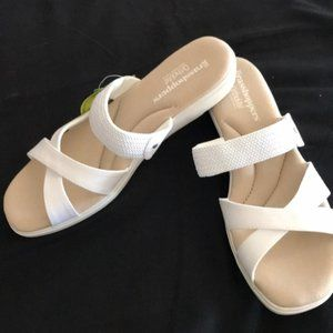 😎Grasshoppers White Strappy Sandals - sz 9.5
